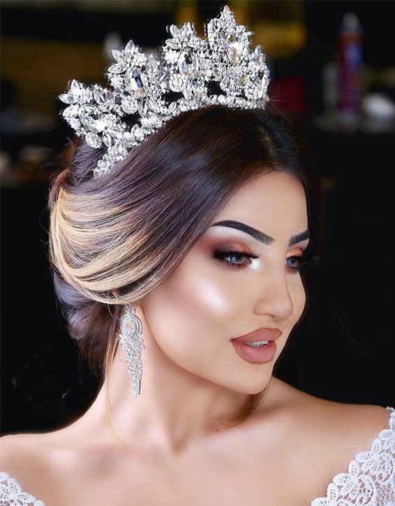 Elegant Makeup Styles & Images for 2019 Bridal